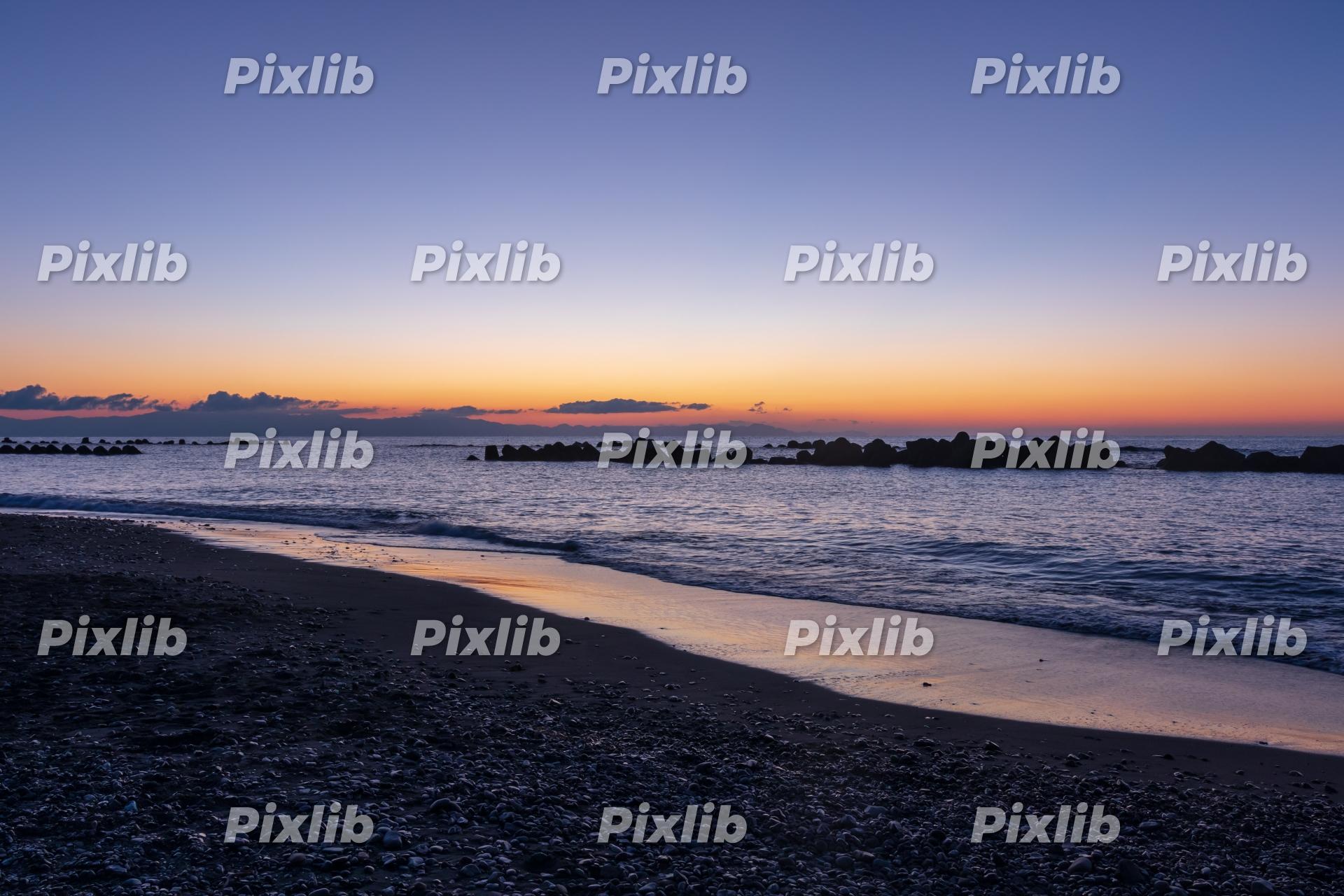 夜明け前の用宗海岸