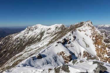 初冬の谷川岳 トマノ耳から眺めるオキノ耳