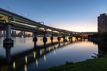夜明けのレインボーブリッジ