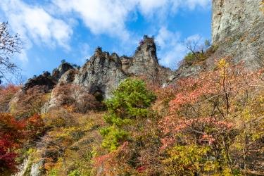 秋の妙義山 第一石門