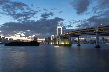 夕暮れのレインボーブリッジ